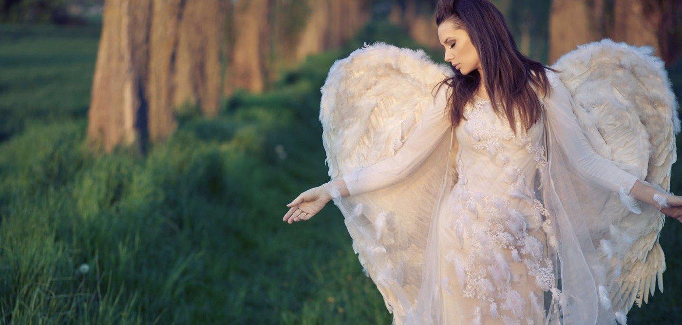 Víte, jak s námi komunikují andělé? Tohle je jejich 5 signálů z astrálního světa!