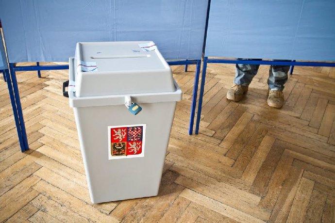 Volby 2021: Podle průzkumu by v září vyhrálo ANO, kdo hnutí šlape na paty