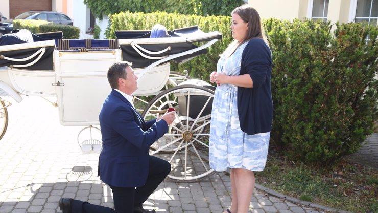 Dvojité zásnuby ve Slunečné! Julča a Martin do toho konečně praští, pro herce to byla třetí svatba