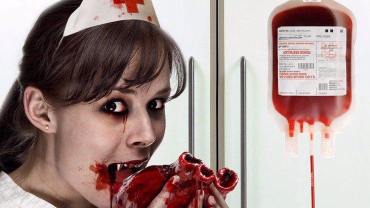 Největší úlet, který lze pořídit v internetové aukci? Kolík na zabíjení vampýrů a neživých nemrtvých zombií!