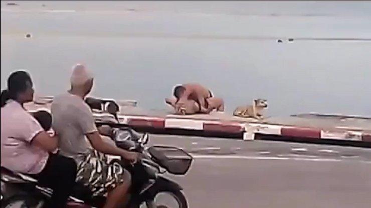 Šokující video se souložícími turisty šokovalo svět! Nadržený pár bude zatčen!