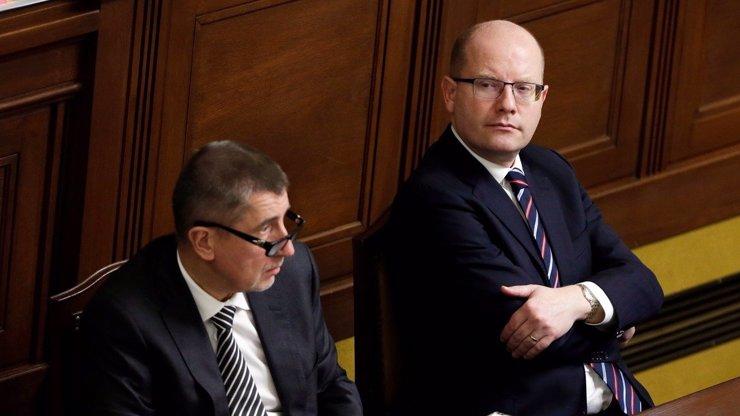 Sbohem a šáteček? Bohuslav Sobotka prý plánuje opustit vedení ČSSD! Jak bude vypadat jeho odchod?
