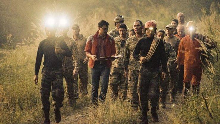Film Jeskyně popisuje skutečnou událost: Dětský fotbalový tým v Thajsku bojoval při povodních o život