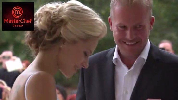 Video ze svatby porotce MasterChefa: Přísný Marek si vzal hodně žhavou kost!