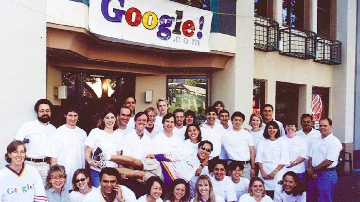 Společnost Google slaví narozeniny: Jmenovala se BackRub a začínala v garáži