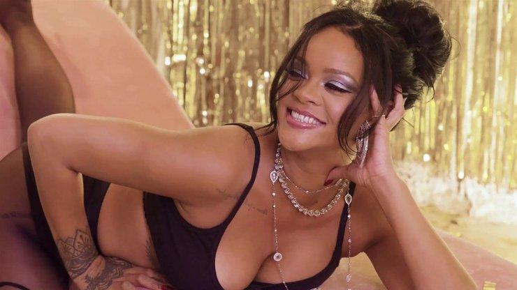 Předstihla všechny: Rihanna je nejbohatší hudebnice světa, miliardy přehazuje vidlemi