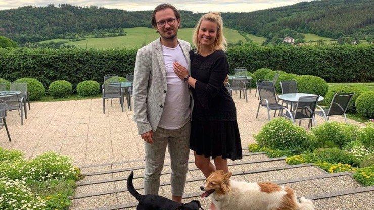 Patricie Pagáčová s manželem oslavila výročí svatby: Romantiku na hotelu si užili i se psy