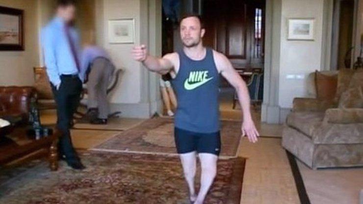Šokující video, ve kterém Pistorius chodí bez protéz a ukazuje, jak zastřelil přítelkyni!