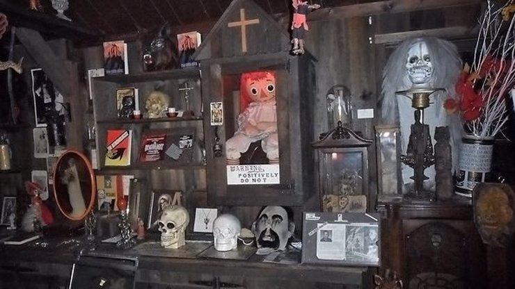 Okultní muzeum Warrenových: Panenka Annabelle a další předměty vás mohou i zabít