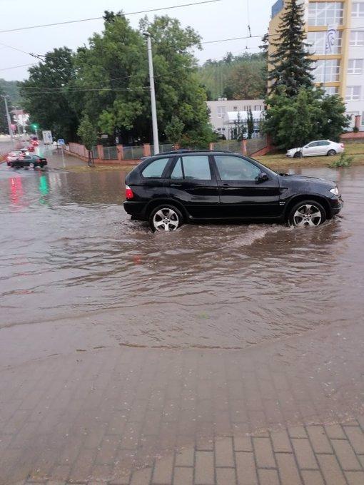 Velké nebezpečí: Na Česko se žene krutá bouře Ellen, už stačila zpustošit Irsko