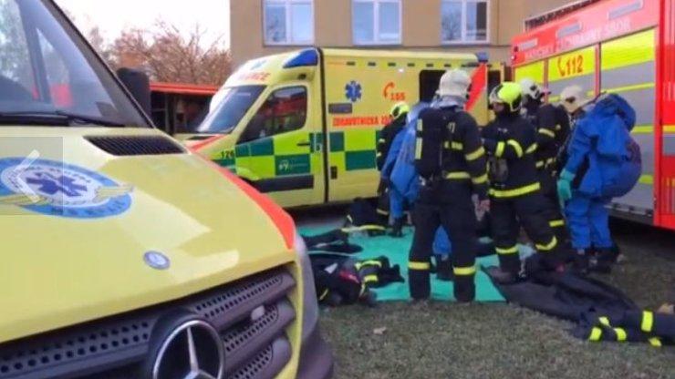 Česko vyděsil smrtící virus: Co jste nevěděli o nemoci, která by ohrozila celou zemi?
