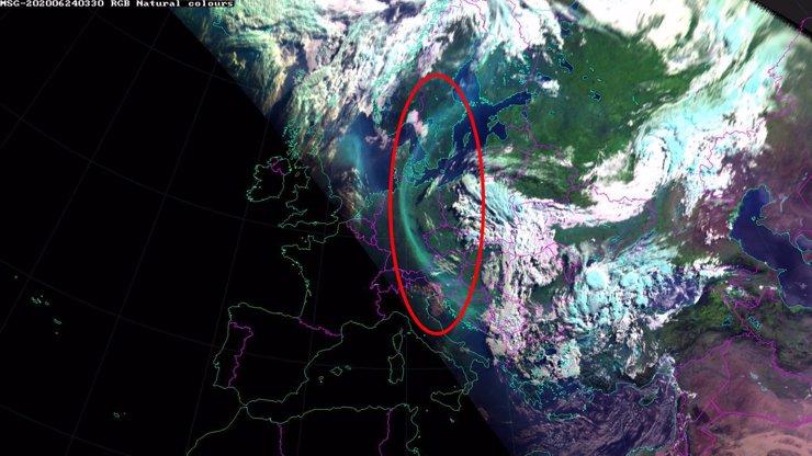 Záhada: Na obloze se objevil podivný mrak, meteorologové dumají, co by to mohlo být