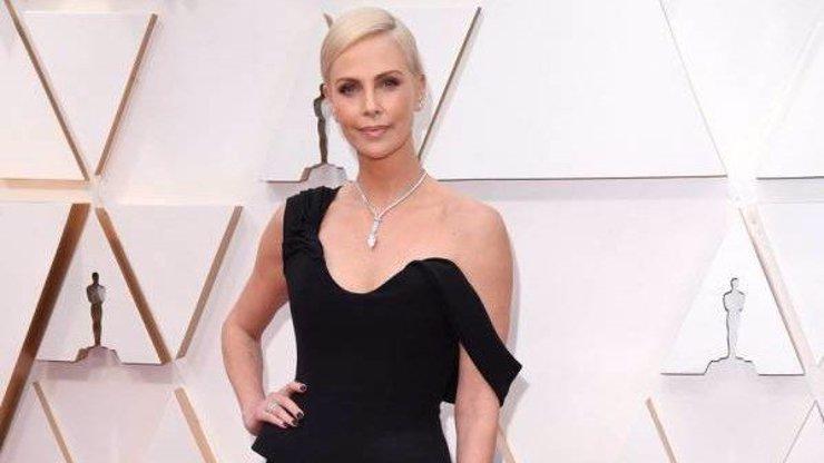 Charlize Theron slaví 45, v lásce má vyloženě smůlu: Muže definitivně odepsala