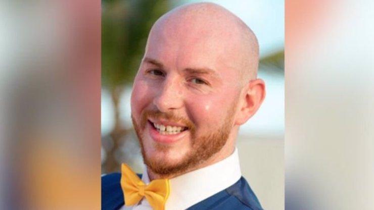 Čtyřicetiletý muž byl ubodán ve svém autě. Svědkem incidentu byl jeho čtyřletý syn