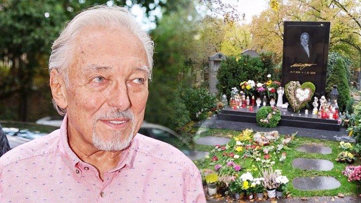 Hyenismus! Fanoušci Karla Gotta (✝80) pukají vzteky, z jeho hrobu zmizel zlatý slavík