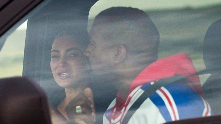 Kim Kardashian se hroutí: Spory s manželem Kanyem Westem vyústily v hysterický pláč