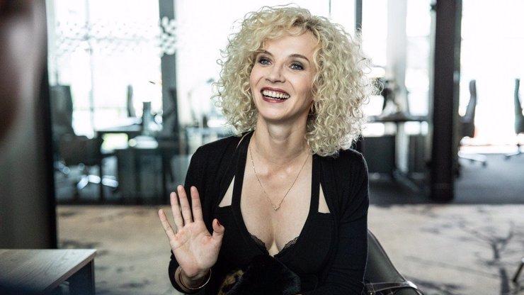 Nová komedie Bábovky: Jana Plodková po 13 letech opět odhodila stud