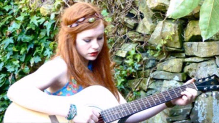 Patnáctiletá teenagerka se oběsila na místě prvního rande a pustila si k tomu Coldplay! Proč?