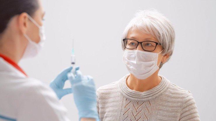 Očkování nad 60 let: Co je třeba k registraci?