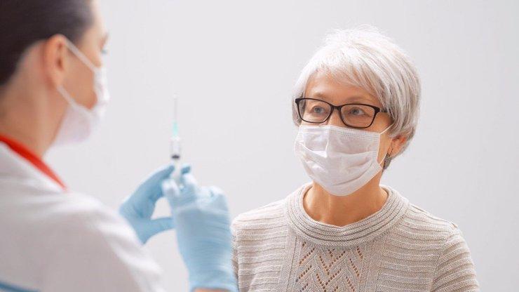 Zoufalí zdravotníci: Volají po větším množství vakcín, kapacity k očkování mají