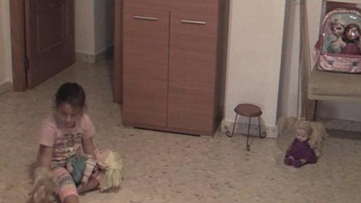 Šokující duchařské video: Panenka otočila hlavu a
