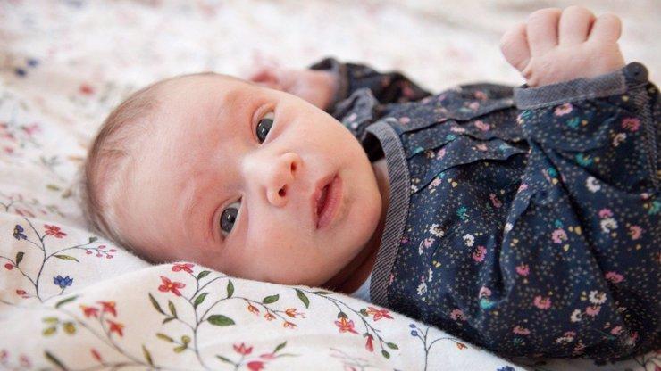 Izabelka spadla sestře při očkování na zem a praskla jí lebka: Jak to s ní teď vypadá?