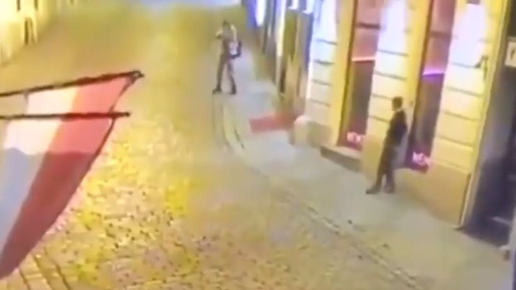 Mrazivé svědectví z vídeňského teroru: Lidé si mysleli, že slyší petardy, pak nastala panika