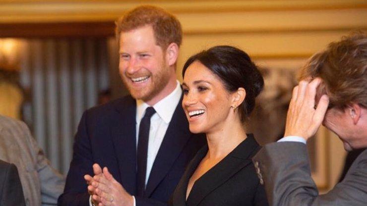 Zákeřná Meghan a ovlivněný Harry: Královské rodině vyhrožují vyzrazením temných tajemství