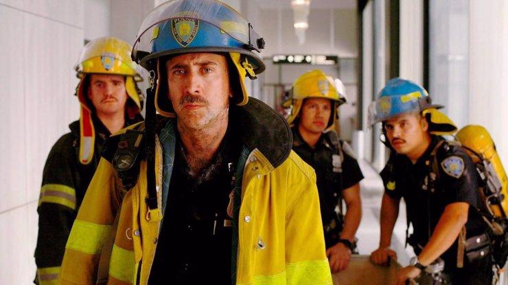 5 důvodů, proč se dneska rozhodně nedívat v televizi na příšerný World Trade Center s Nicolasem Cagem