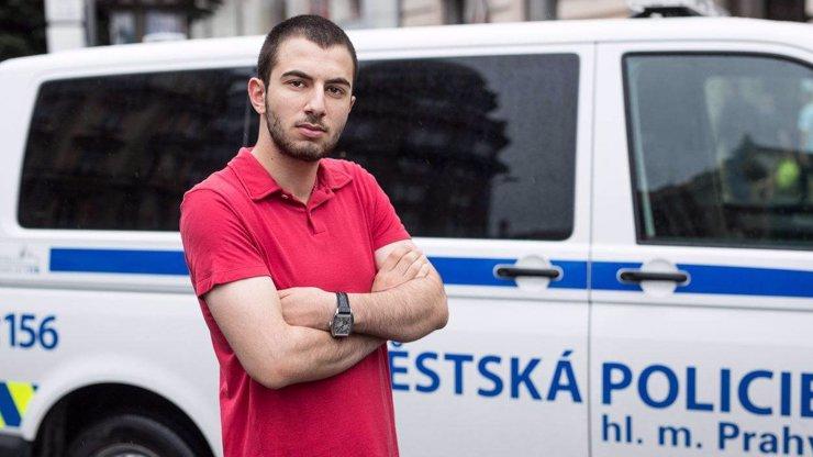 Namachrovaný MikeJePán dojezdil: Policie mu zabavila řidičák a nepomohlo mu ani jeho