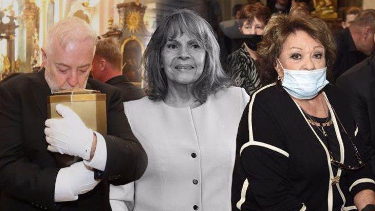 Pohřeb Evy Pilarové (†80): Mezi hosty chyběl nejdůležitější muž jejího života
