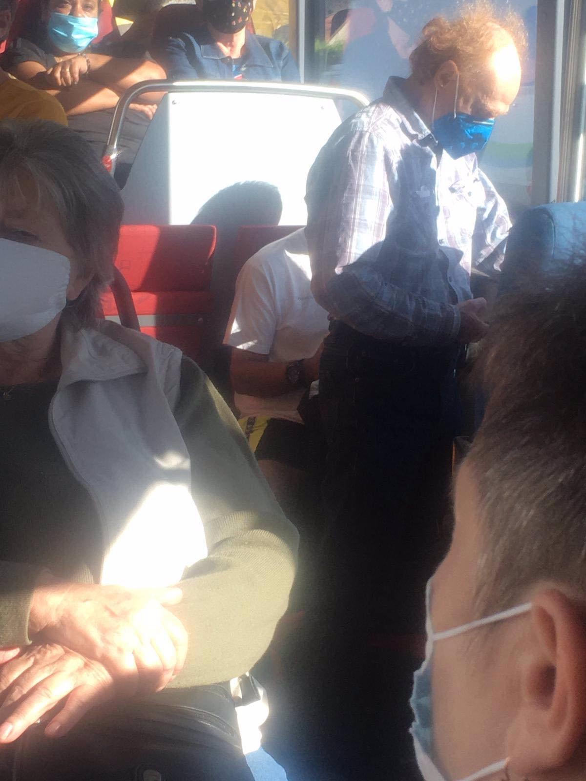 Biolog Flegr risknul cestu metrem: Expert na viry popsal, jak přežít v pražské MHD