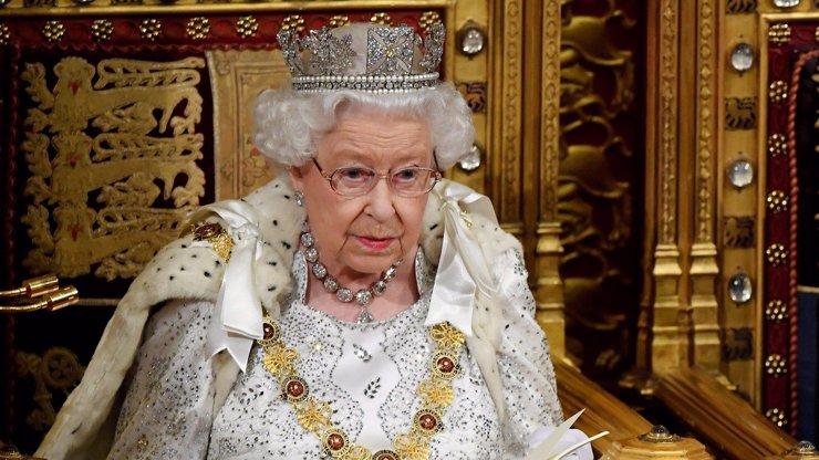 Šílená pravidla v britské královské rodině: Žádné dárky a speciální pozdravy