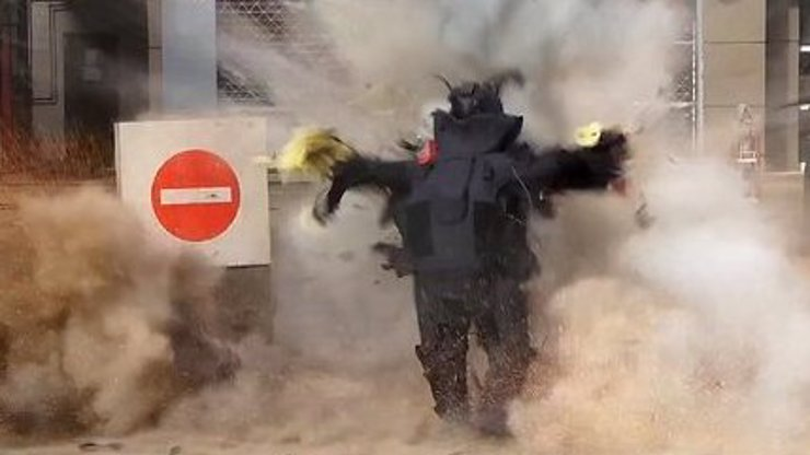 Z toho mrazí: Pyrotechnika roztrhala bomba. Záběry jen pro otrlé!