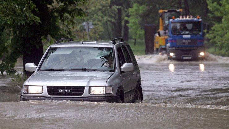 Meteorologové vydali výstrahu: Řítí se na nás vydatné deště, hrozí povodně a záplavy