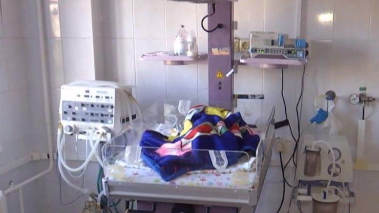 Matka (19) surově zbila měsíčního chlapečka: Prý byla ve stresu z toho, že plakal