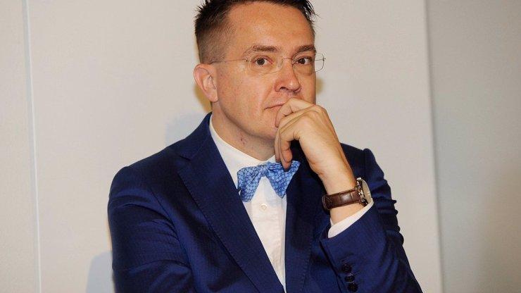 Roman Šmucler pro eXtra.cz: Nový ministr zdravotnictví nesmí porušovat zákon, je to skandál