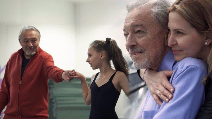 Karel Gott žije i po smrti: Vdova Ivana poslala fanouškům dojemný dárek