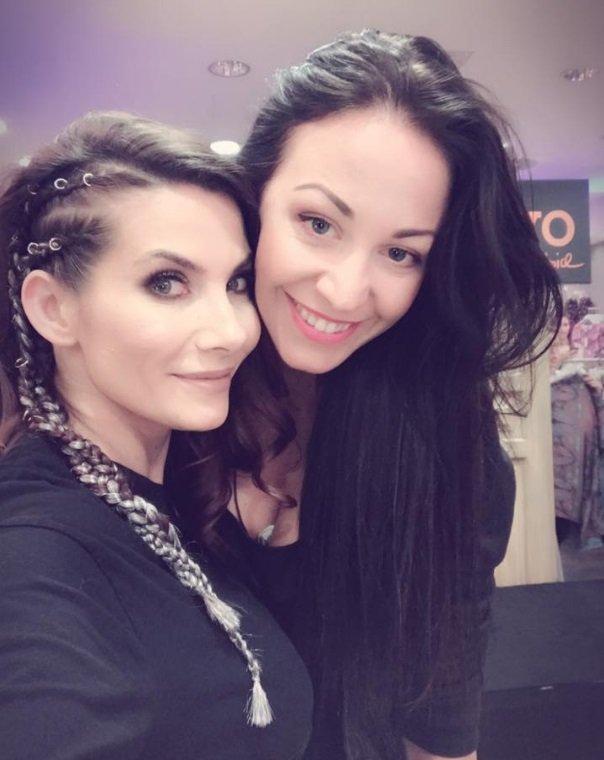 Nejkrásnější selfie v dějinách šoubyznysu: Podívejte na Evu Decastelo a Agátu Prachařovou!