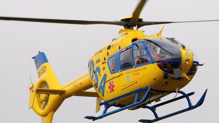 Neštěstí na Žatecku: Teprve roční holčička se opařila, musel pro ni letět vrtulník