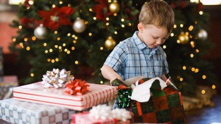 Nevíte, co letos na Vánoce? Máme pro vás několik užitečných tipů. S těmito dárky zabodujete!