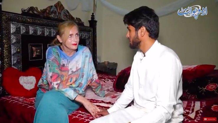 Učitelka (65) provdaná za pákistánského zajíčka (23) je zpět v Česku. Jak to vypadá s miminkem?