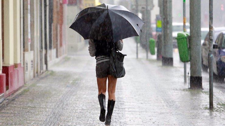 Týdenní předpověď: Teploty spadnou na  2 °C, očekávají se deště a mlhy