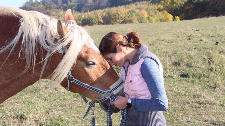Vítězka StarDance Baďurová truchlí: Umučili jí koně, za dopadení zrůdy vysoká odměna