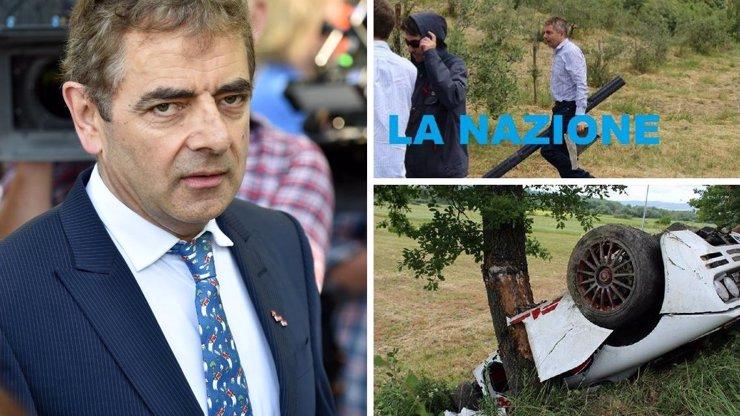 Hororová nehoda v Itálii: McLaren boháče se rozpůlil o strom, život mu zachraňoval Mr. Bean