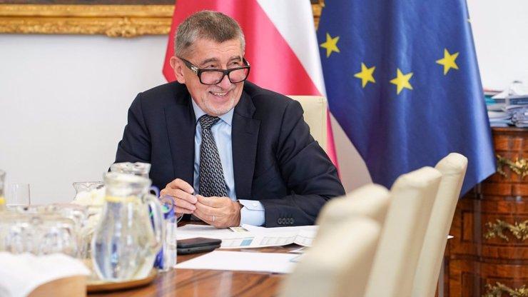Nadávky a paraziti v Babišově mailu: Z pošty premiéra přišla ostrá kritika Europarlamentu