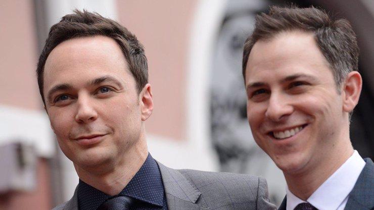 Spokojený Sheldon se oženil se svým přítelem: Teď už si může klidně tloustnout!