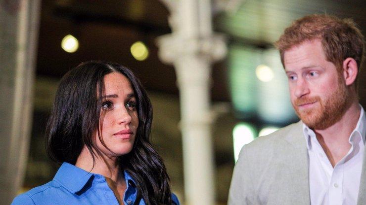 Meghan Markle je vzteky bez sebe: Na Harryho narozeniny ji královská rodina ponížila