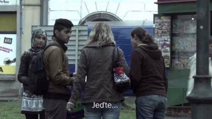 Experiment s uprchlíky: Jak se Češi na malém městě poperou s rodinou ze Sýrie?