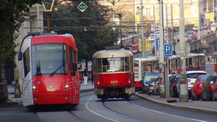V Praze se rozšiřuje provoz MHD: Takhle bude vypadat, nástup možný pouze s rouškou